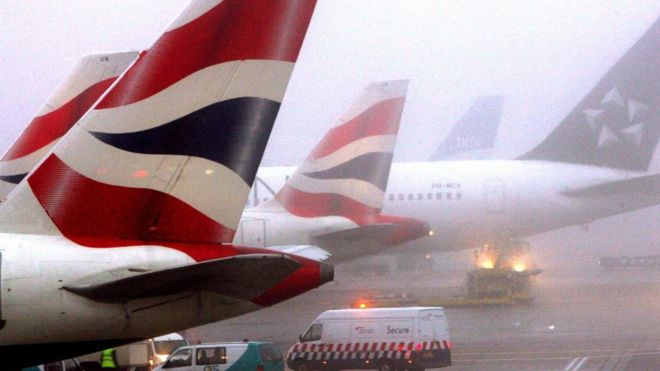 Flights disrupted as fog descends on London's airports