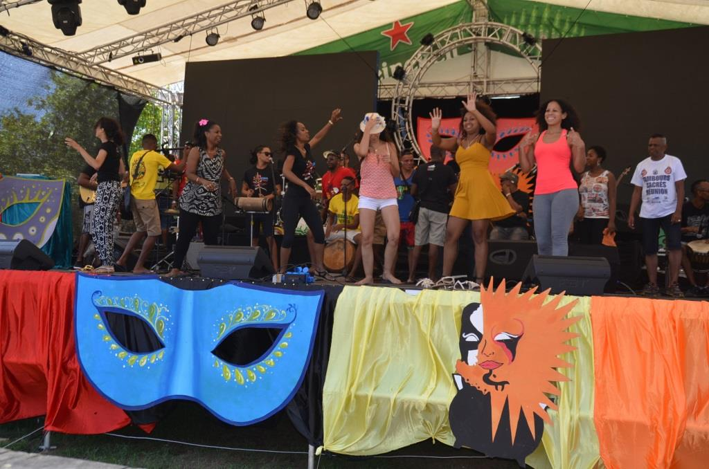 Carnaval International de Victoria moved to October