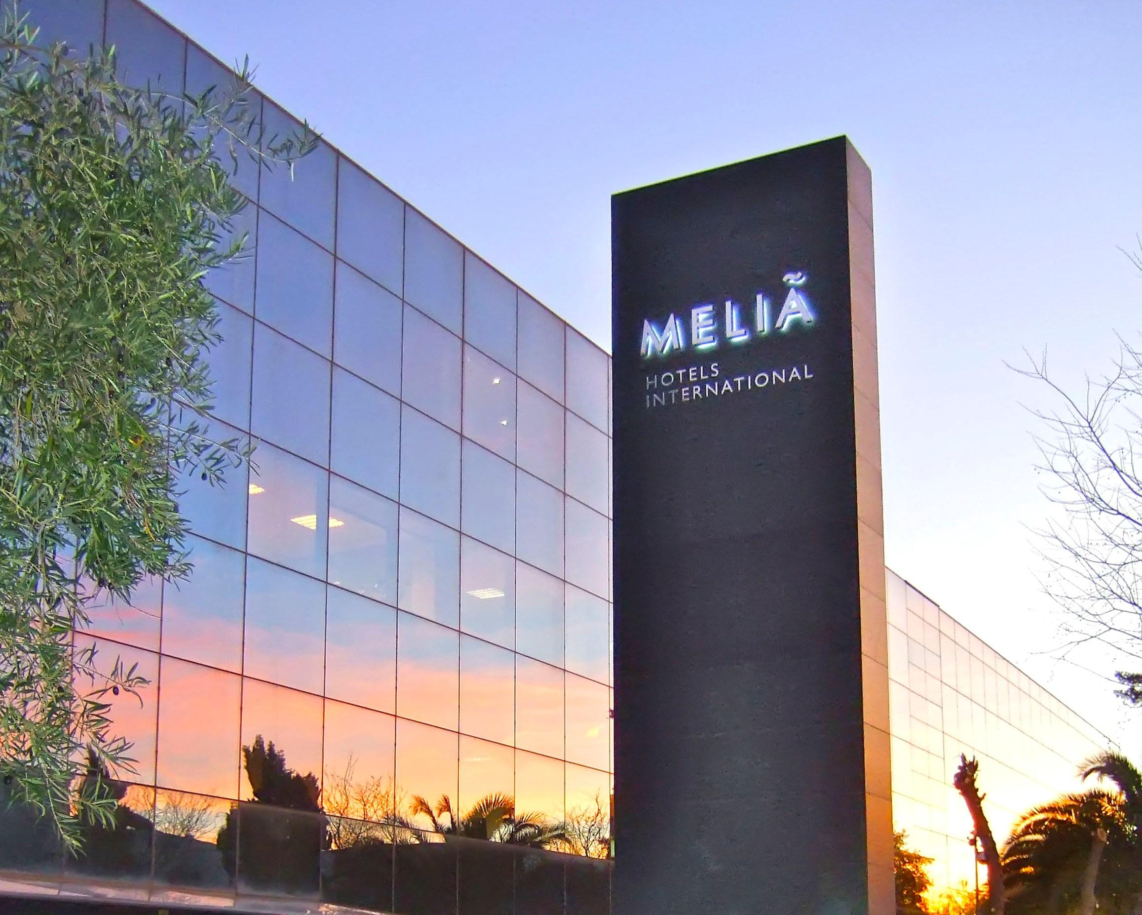 Resultado de imagem para Gran Melia Arusha